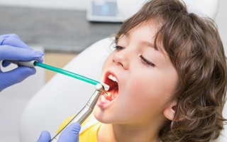 http://www.mardenta.com/wp-content/uploads/2015/11/pediatric-dentist-marbella-320x200.jpg